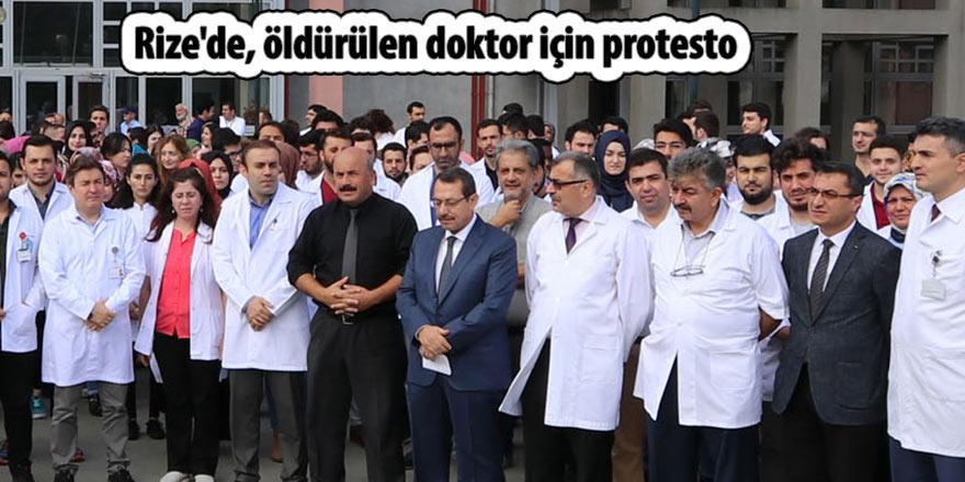 Rize'de, öldürülen doktor için protesto