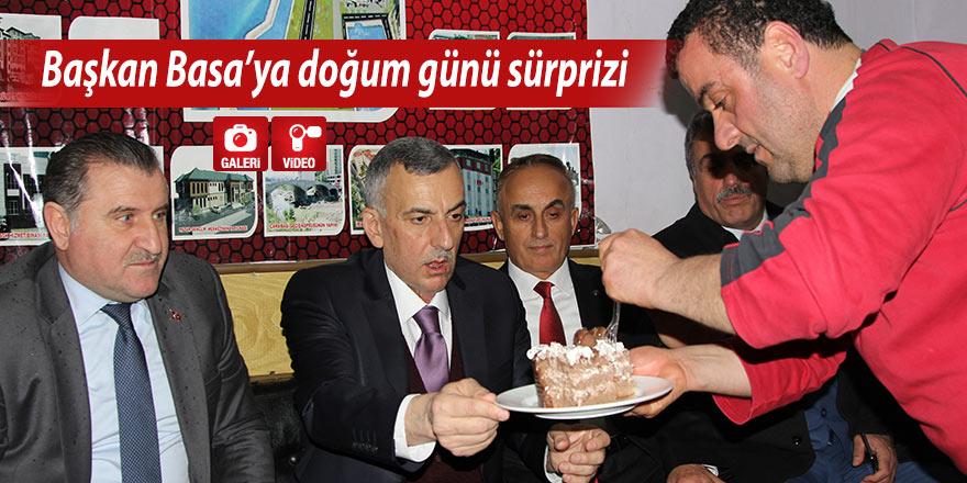 Başkan Basa'ya doğum günü sürprizi