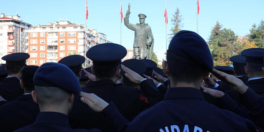 Atatürk, 81. ölüm yıl dönümünde anılıyor