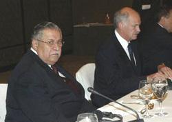 Barzani ve Talabanı salonu terketti