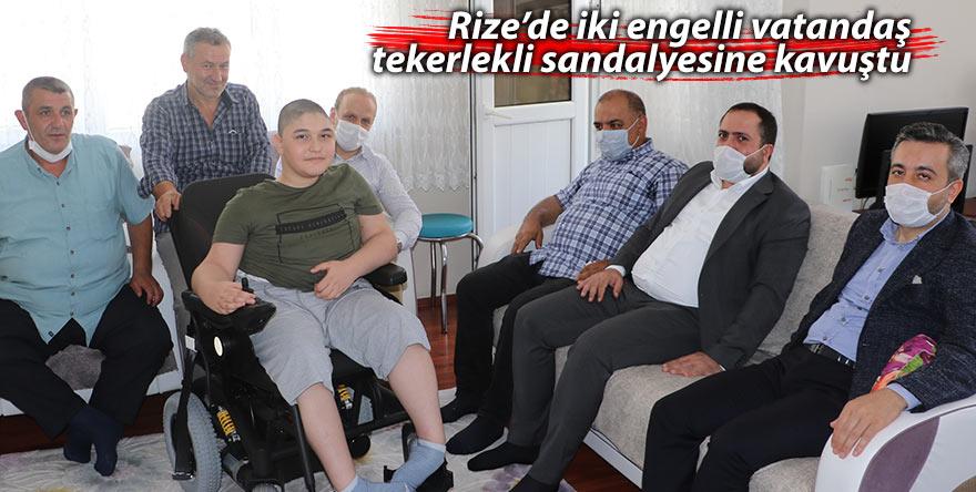Rize'de iki engelli vatandaş tekerlekli sandalyesine kavuştu