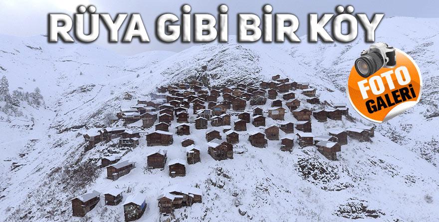 Ahşap evleri ile ünlü yaylanın kar manzarası havadan görüntülendi