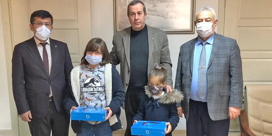 Pazar'da öğrencilere tablet dağıtıldı