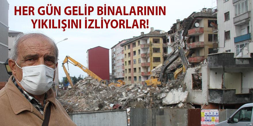 Her gün gelip binalarının yıkılışını izliyorlar!