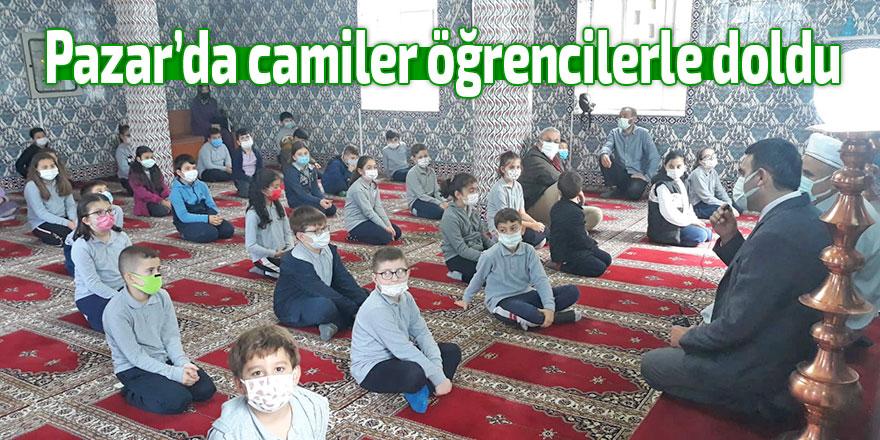 Pazar'da camiler öğrencilerle doldu