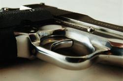 Rize'de genç kız silahla intihar etti