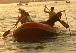 Rize'de, denizde rafting şenliği!