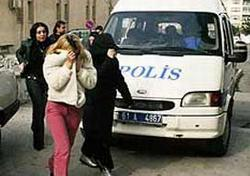 Fuhuş aracılığına 16 tutuklama