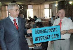 Rize'de öğrenci dostu internet kafe