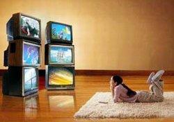 TV, koltuğunu internete kaptırıyor