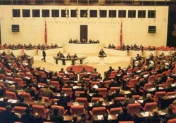 Yılmaz, mecliste hezimeti yaşadı