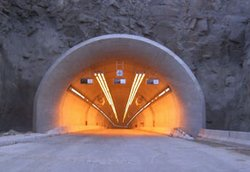 Karanlık tünellere dev ihale