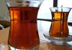 Adana'da okullara çay yasağı!
