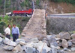 Tarihi köprüler onarılıyor