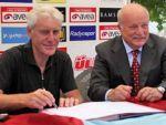 Broos Trabzonspor'a imzayı  bastı