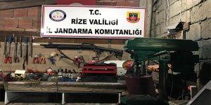 Rize'de kaçak silah atölyesine baskın yapıldı