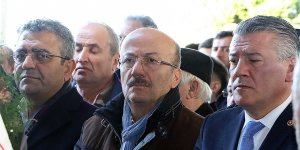 Milletvekili Bekaroğlu'nun annesi toprağa verildi