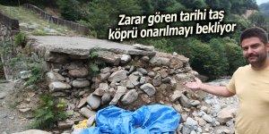 Zarar gören tarihi taş köprü onarılmayı bekliyor