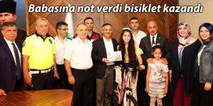 Babasına not verdi bisiklet kazandı