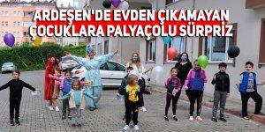 Ardeşen'de evden çıkamayan çocuklara palyaçolu sürpriz