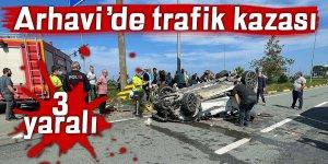 Arhavi'de trafik kazası: 3 yaralı